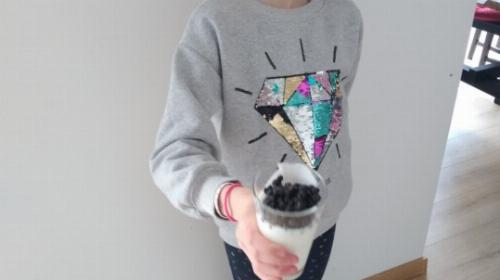 Obrazek galerii Mleczny przysmak z owocami (bakterie pożyteczne dla zdrowia)