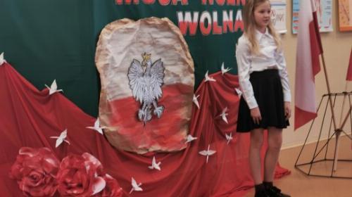 Obrazek galerii III edycja Szkolnego Konkursu Recytatorskiego Poezji Patriotycznej