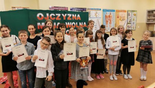 Obrazek newsa III edycja Szkolnego Konkursu Recytatorskiego Poezji Patriotycznej